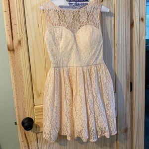 Mod cloth Chi Chi London size 12 lace dress